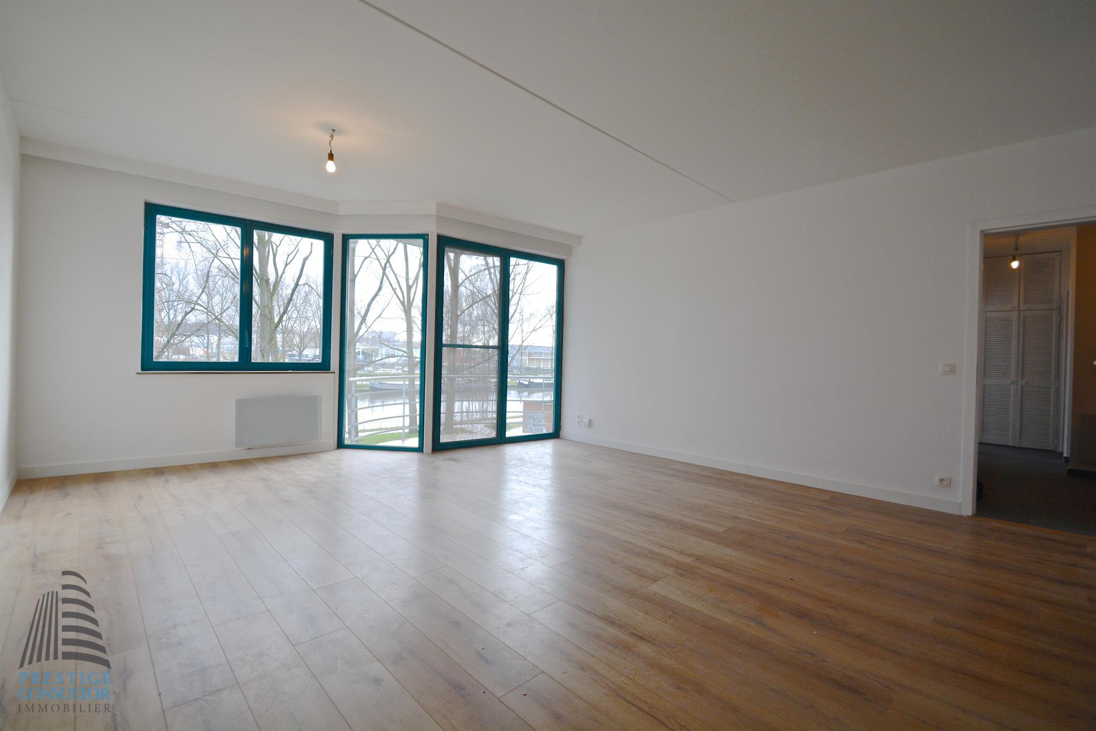 Appartement - Anderlecht - #3961138-0