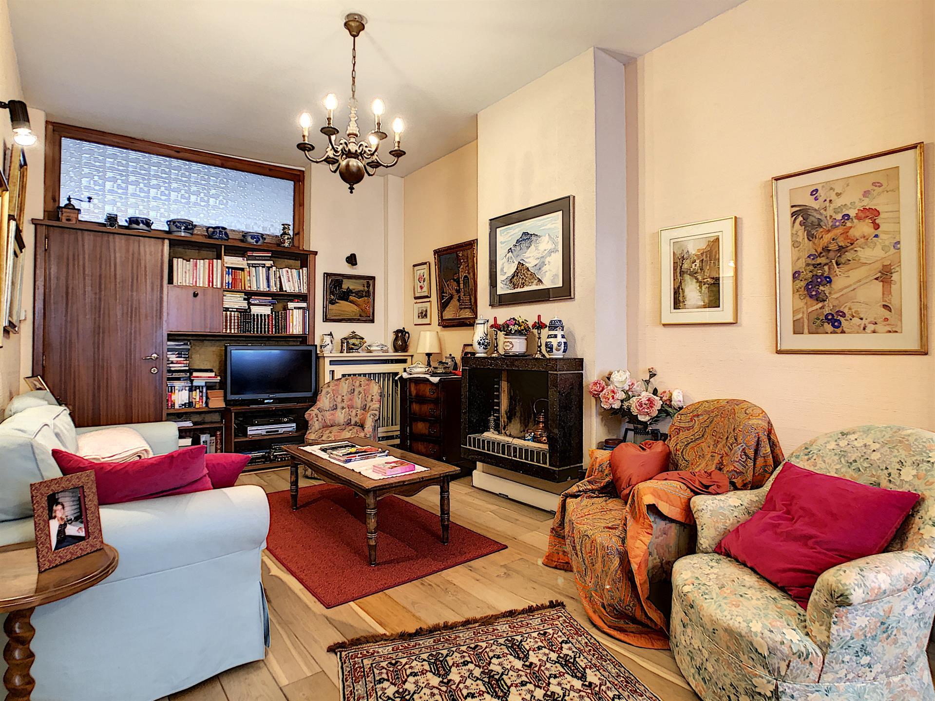 Appartement - Schaerbeek - #4023608-1