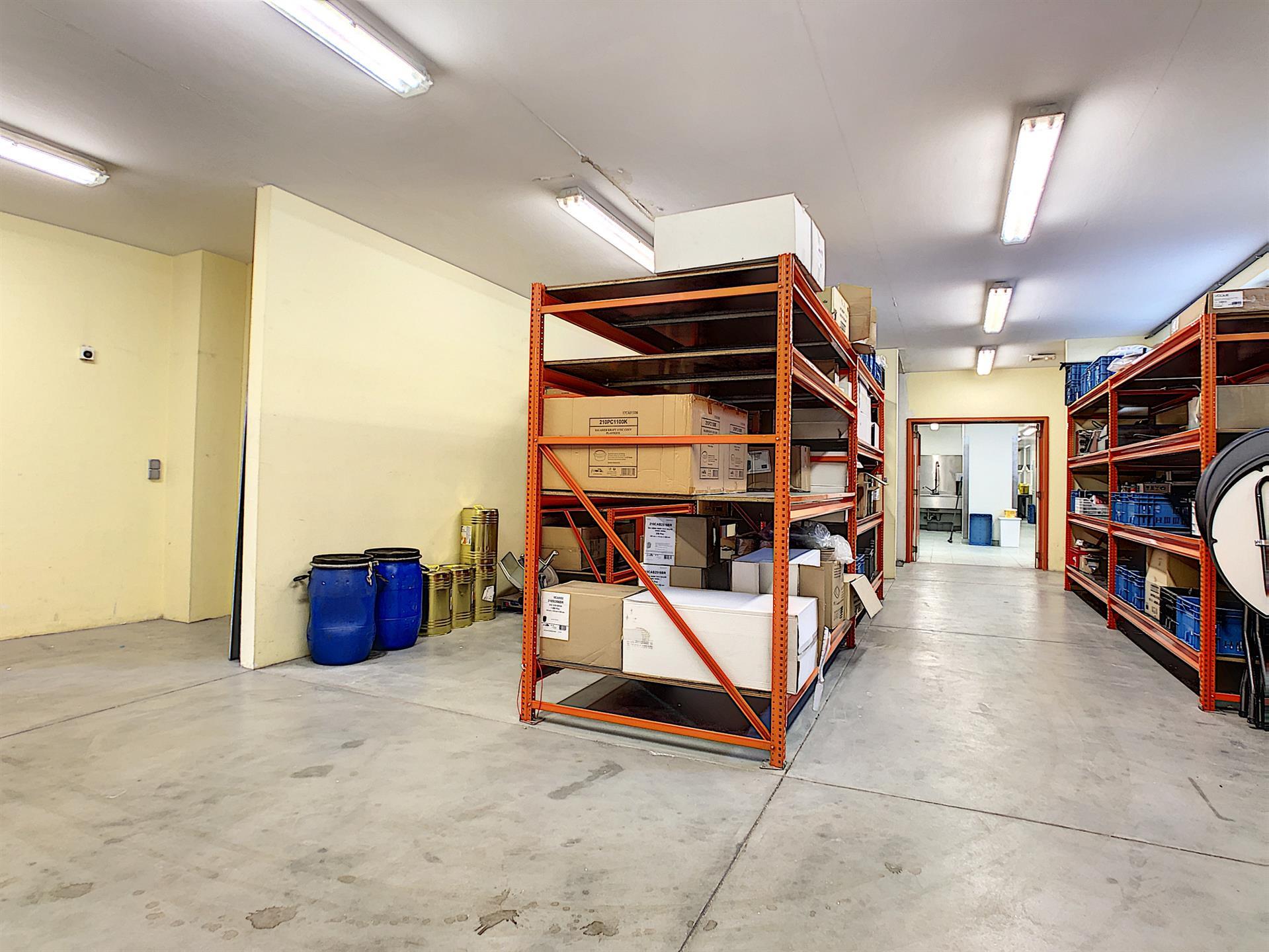 Bureaux & entrepôts - Molenbeek-Saint-Jean - #4036306-9