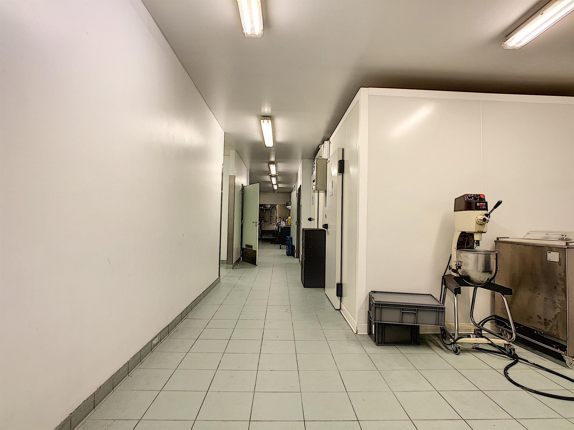 Bureaux & entrepôts - Molenbeek-Saint-Jean - #4036306-6