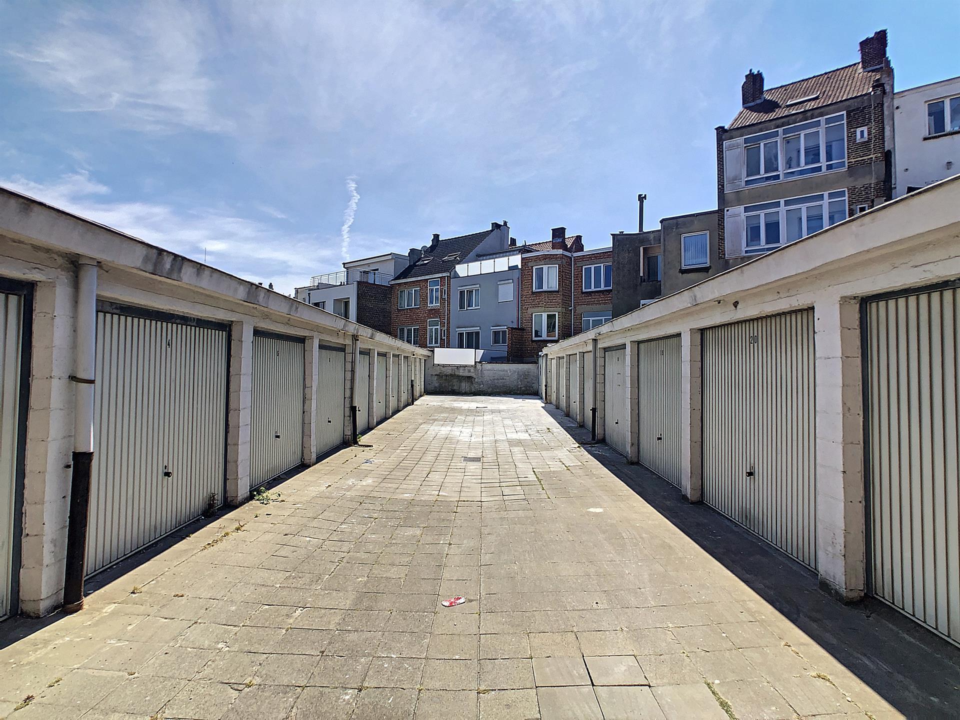 Garage (ferme) - Anderlecht - #4047778-0