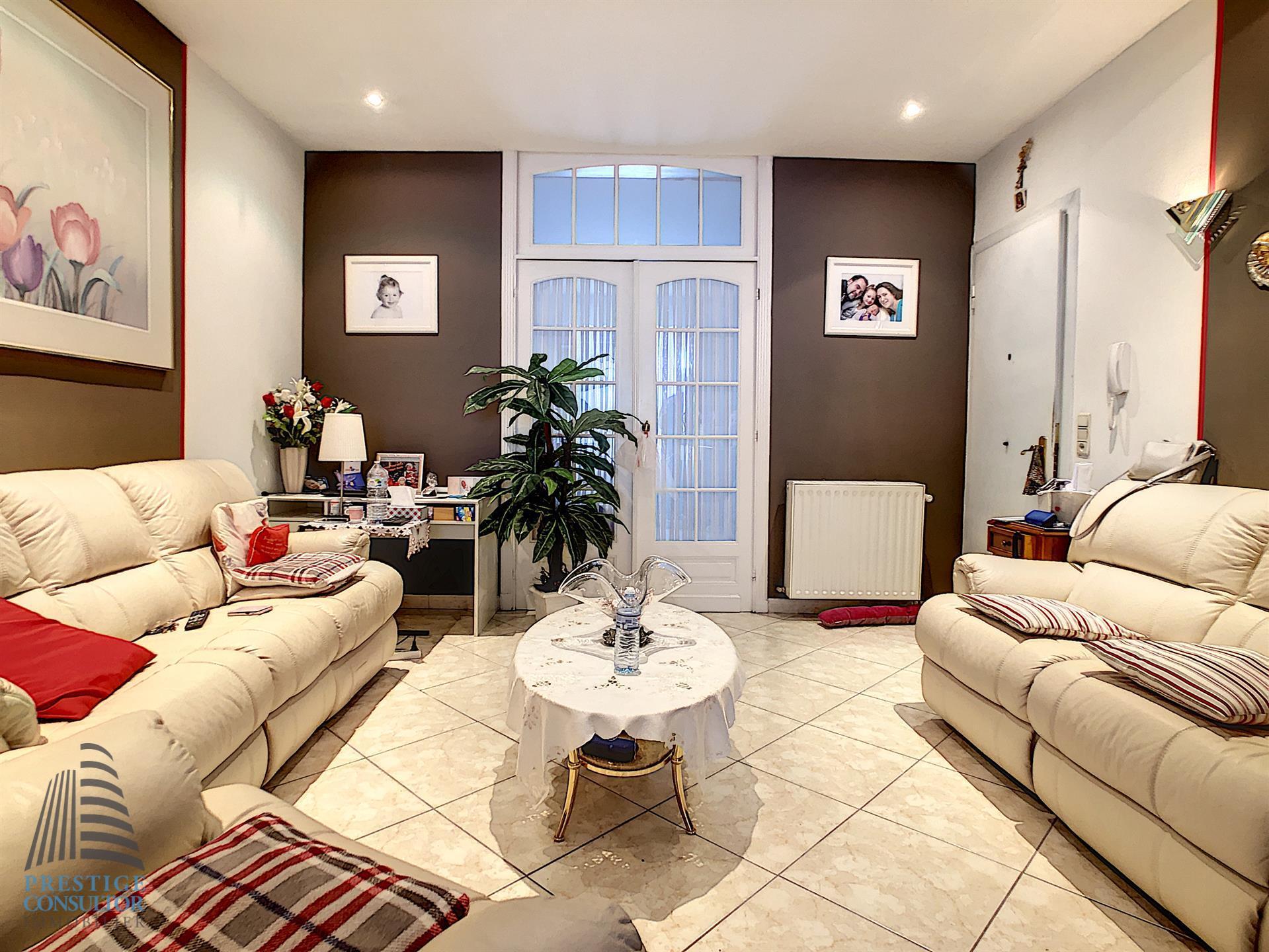 Appartement - Schaarbeek - #4063307-1