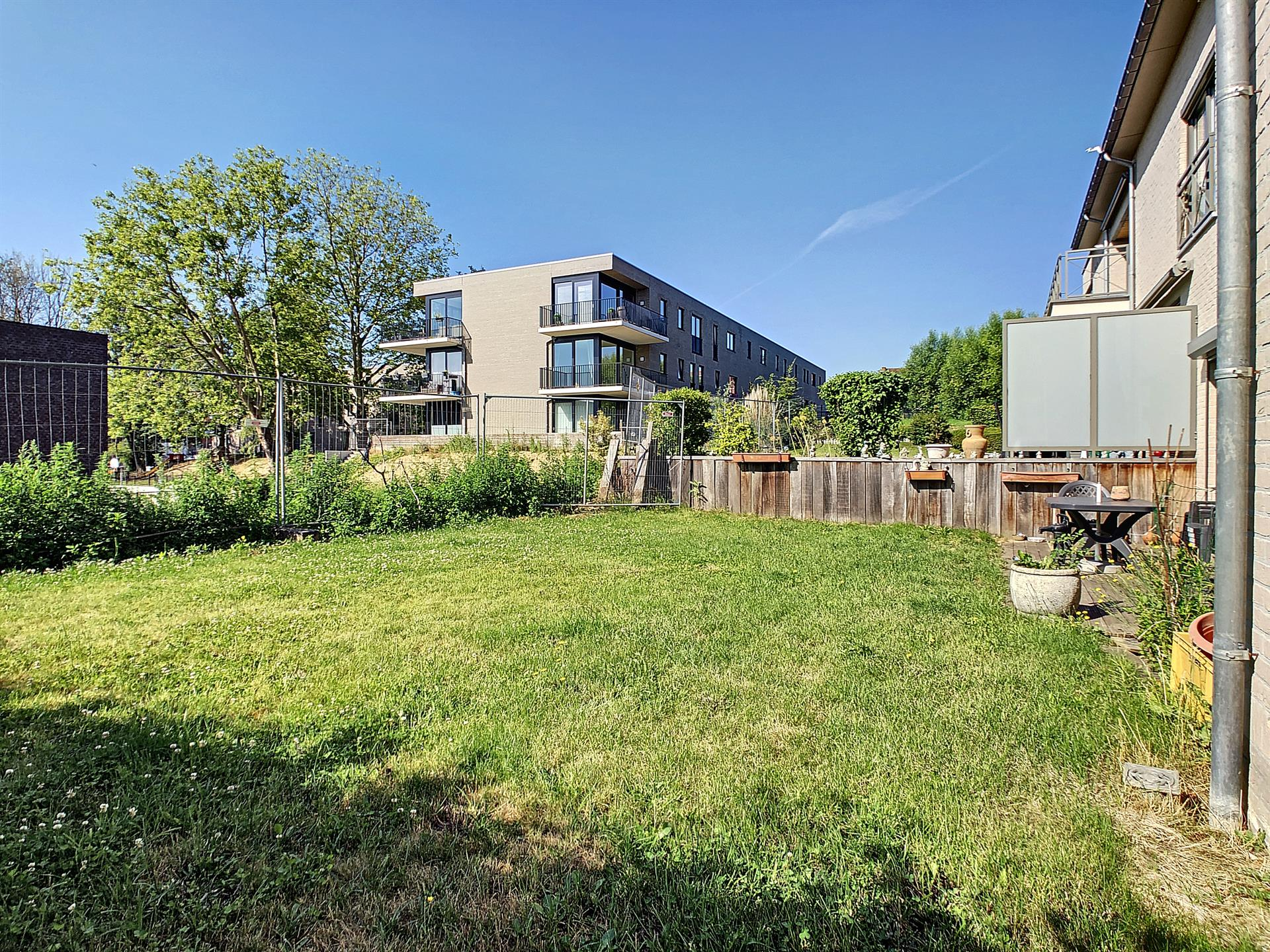 Rez-de-ch. avec jardin - Sint-Pieters-Leeuw - #4080569-1