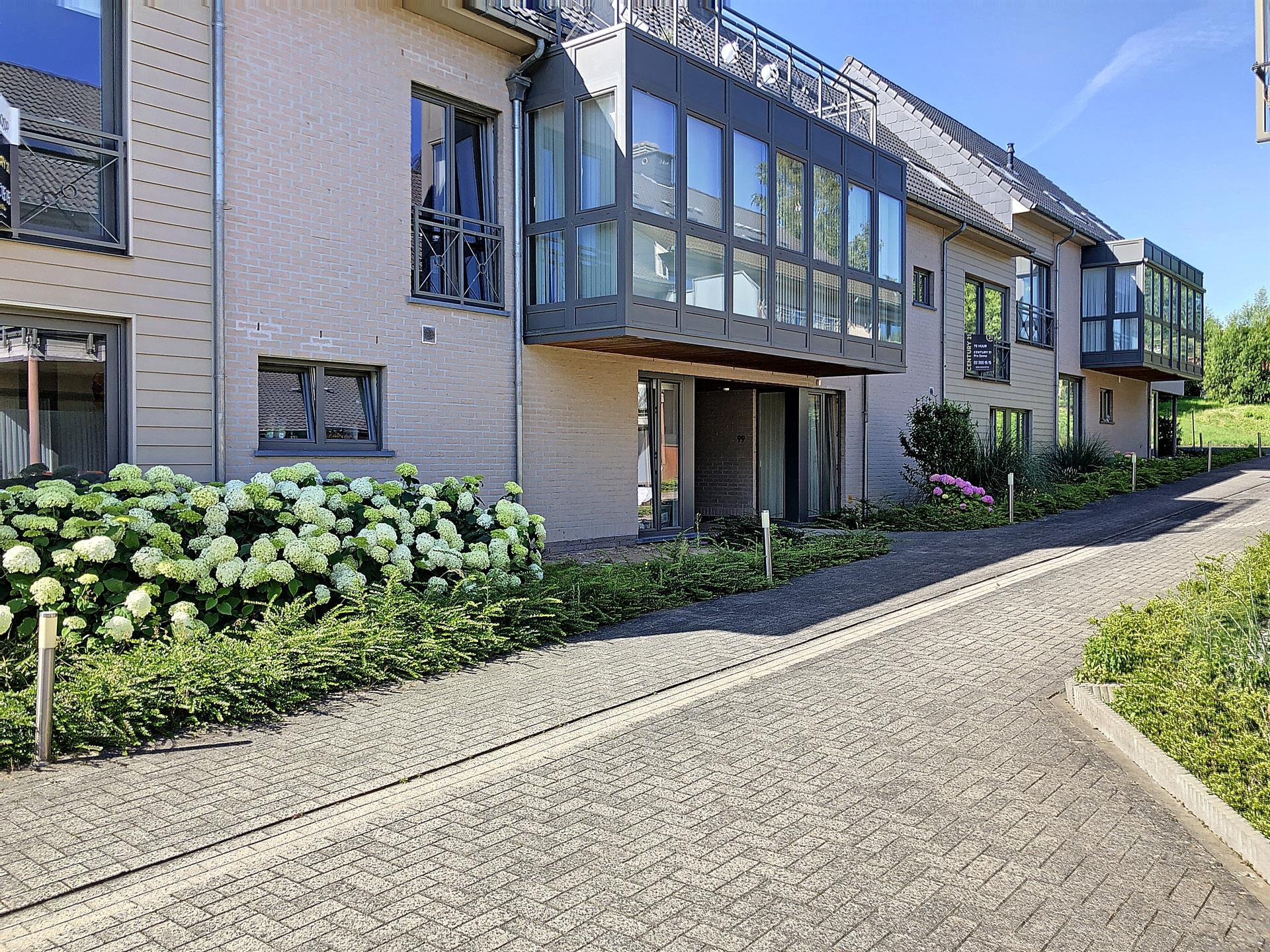 Rez-de-ch. avec jardin - Sint-Pieters-Leeuw - #4080569-0
