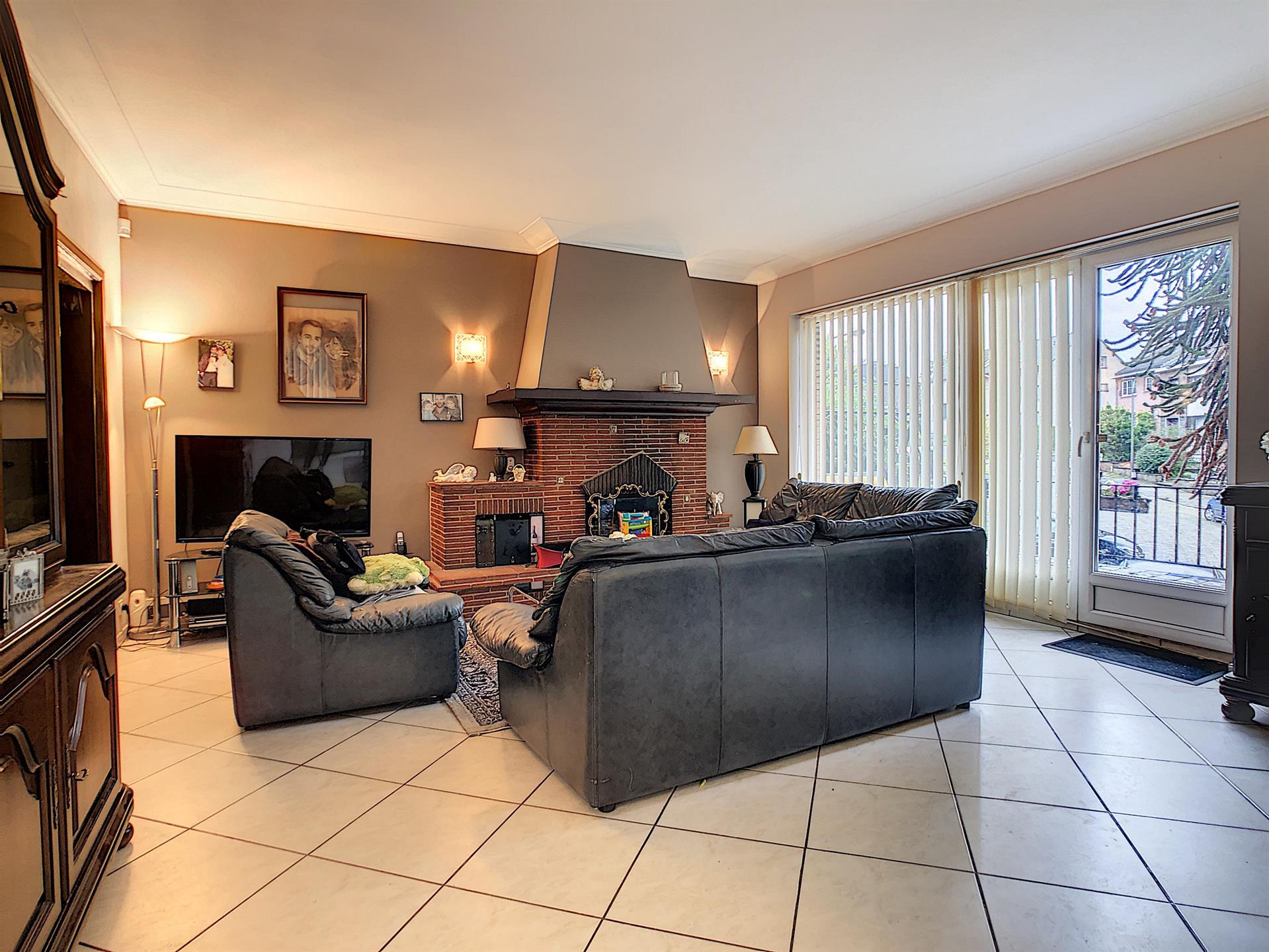 Villa - Dilbeek - #4087883-4